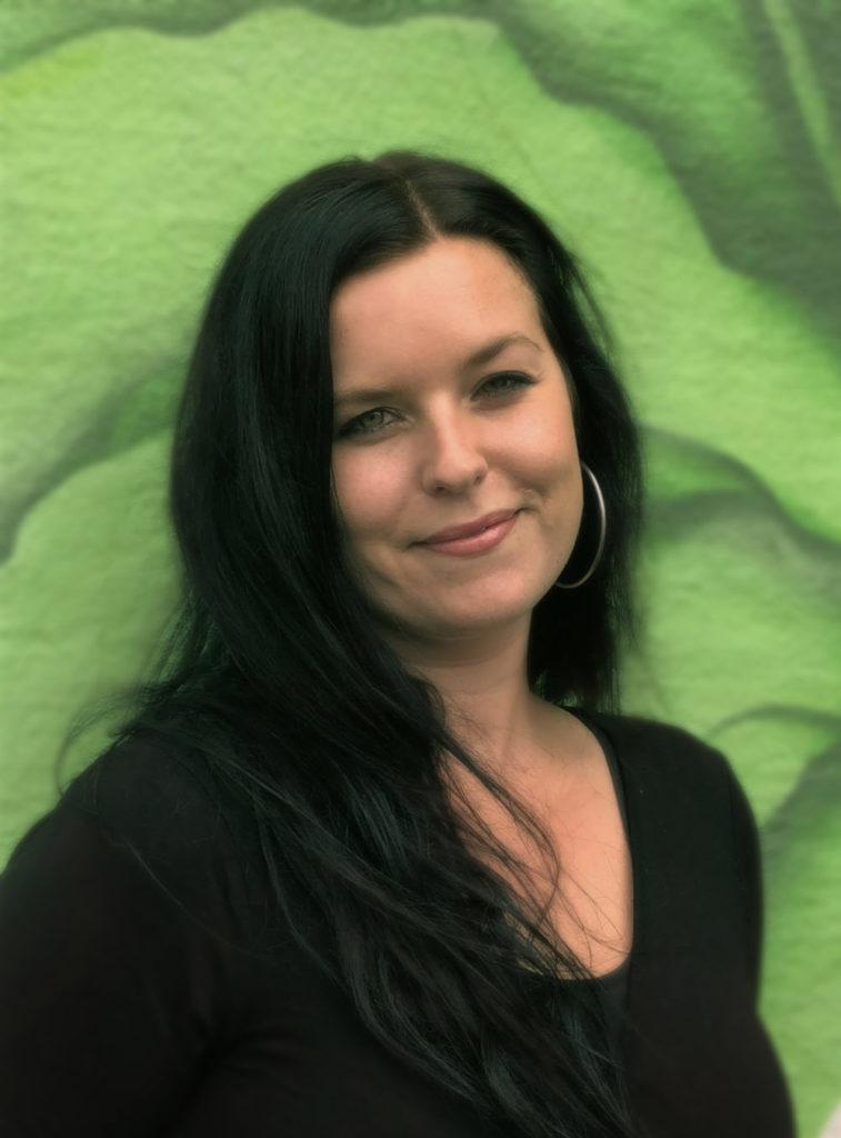 Portrett av magedansinstruktør Cathrine Sudenius
