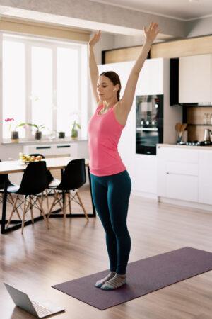 Myk yoga, med pust og avspenning – Online